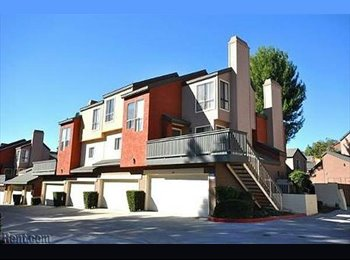 Room/balcony to rent at Canyon CrestView Townhouse