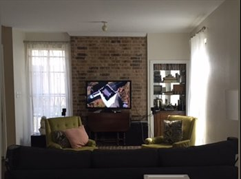 Townhouse in Galleria Area with Available Room