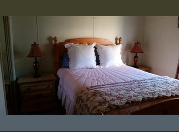 EasyRoommate US - furnished queen bedroom and private bath - Vero Beach, Other-Florida - $500