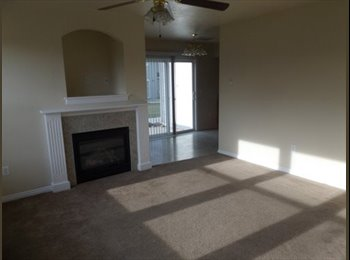EasyRoommate US - Townhome Take Over Lease - Nampa, Nampa - $750