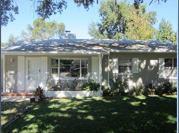 EasyRoommate US - Nice Lakel Bungalow - Lakeland, Other-Florida - $600