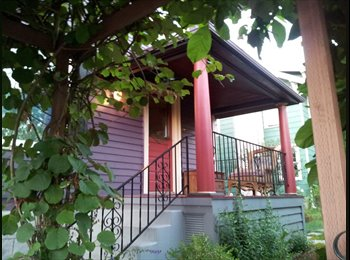EasyRoommate US - Furnished Room in Awesome Home-near MAX walkable! - Multnomah, Portland Area - $725