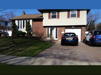 EasyRoommate US - House Share - Hicksville, Long Island - $1000