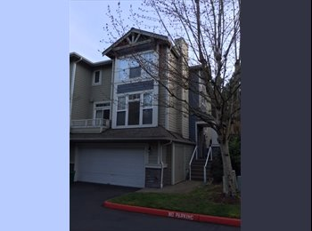 EasyRoommate US - Townhouse to share with like-minded professional . - Bellevue, Bellevue - $685