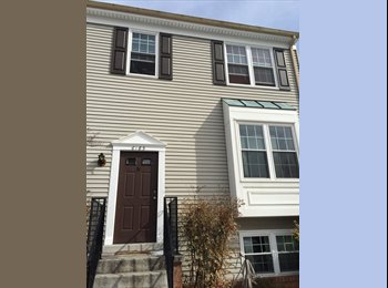 EasyRoommate US - One Bedroom Apartment in Townhouse Available - Alexandria, Alexandria - $1000