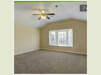 EasyRoommate US - nice 4 bedroom 4 bath in gated community 1680 - Harvey, New Orleans - $1680
