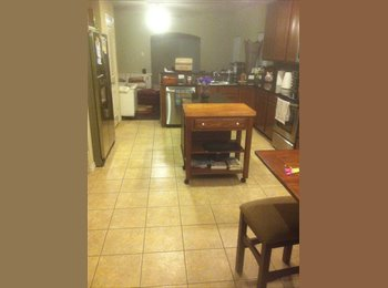 EasyRoommate US - So7 LIVING - Downtown, Fort Worth - $700