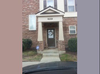 EasyRoommate US - 2 Rooms available in gorgeous townhouse - Raleigh, Raleigh - $500