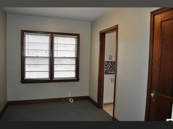 EasyRoommate US - Good house for rent - Topeka, Topeka - $1145