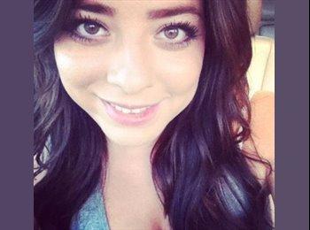 Vanessa - 25 - Student