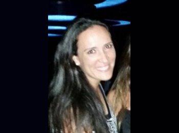 Claudia - 32 - Professional