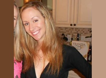 EasyRoommate US - Andrea - 27 - Chicago