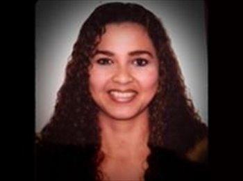 Jennifer  - 35 - Profesional