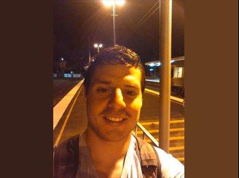 EasyRoommate AU - Nicolas - 25 - Brisbane