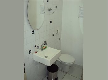 EasyQuarto BR - QUARTOS EM CASA DENTRO DE VILA EM PINHEIROS - Pinheiros, São Paulo capital - R$750