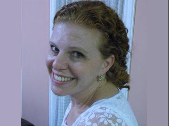 Claudia - 39 - Profissional