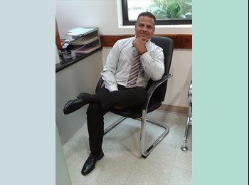 Mauricio  - 43 - Profesional