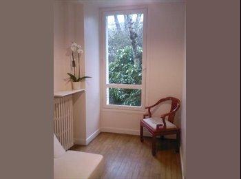 Appartager FR - Studette rez jardin Paris/ Neuilly Métro ligne1et3 - Neuilly-sur-Seine, Paris - Ile De France - €500