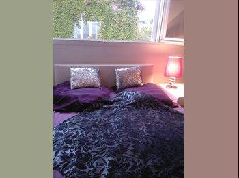 Appartager FR - Chambre superbe appartement, Neuilly métro 1/3 - Neuilly-sur-Seine, Paris - Ile De France - €900