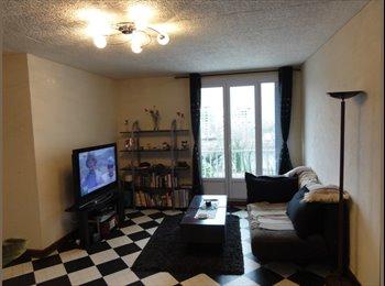 Appartager FR - Chambre près du centre ville avec vue montagnes - Bastille, Grenoble - €360
