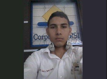 CARLOS  - 21 - Estudiante