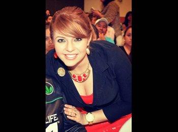 Daniela Segovia - 27 - Profesional