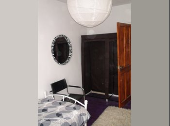 EasyRoommate UK - Newly-decorated room in Victorian town-house - St Thomas, Exeter - £390