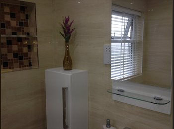 EasyRoommate UK - Beautiful Rooms For Rent - Chadwell Heath, London - £500