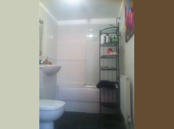 EasyRoommate UK - New Double Bedroom - 30 min train to Victoria - South Darenth, London - £500