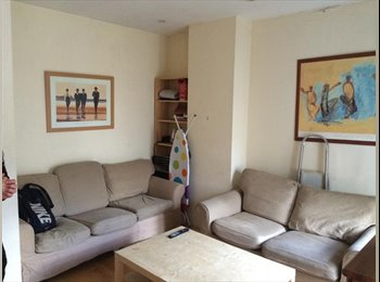 EasyRoommate UK - 3 spacious double rooms to rent in Eleph&Castle - Elephant and Castle, London - £660