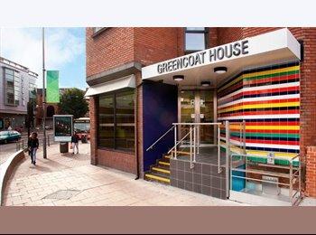 EasyRoommate UK -  Studio flat in Kingston town - Kingston upon Thames, London - £1100