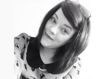 EasyRoommate UK - Katie - 23 - Bedford