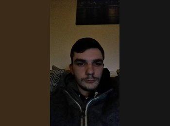 EasyRoommate UK - Danny - 20 - Sheffield