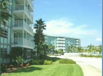 ! Bed Apartment (2mls from Beach) Gym, Laundry etc