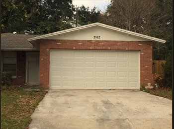 SPACE/LOCATION/PRIVACY! BIG HOUSE SHARE W/ ONLY 1!