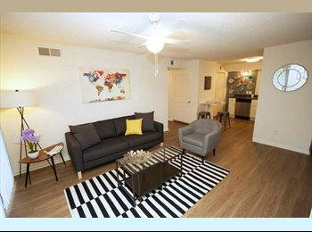 EasyRoommate US - Newly Renovated One Bedroom Apartment - South Kansas City, Kansas City - $665