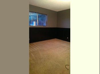 EasyRoommate US - Room For Rent - Oceanside, San Diego - $650