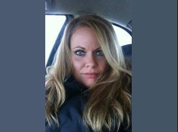 EasyRoommate US - Jennifer - 41 - Detroit Area