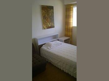 CompartoApto VE - Se Alquila habitación a media cuadra de la estación del metro los cortijos - Sucre, Caracas - BsF7500