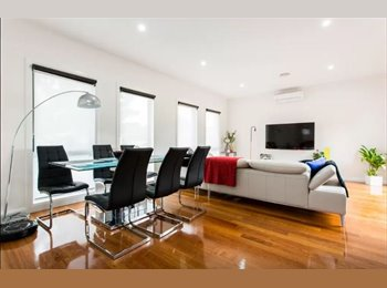 EasyRoommate AU - EXCELLENT LOCATION: Room Available for a Female - Glenroy, Melbourne - $190 pw