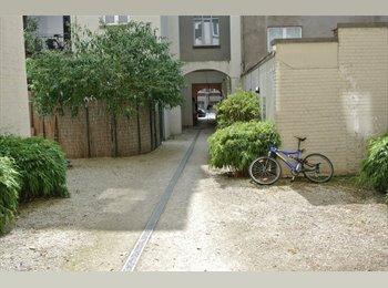 ideally located near European district Ixelles