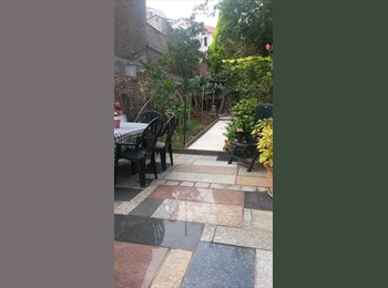 1 room available GIRLS ONLY house-share,Pl Flagey