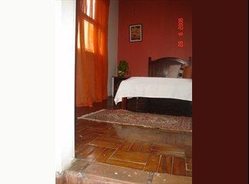 EasyQuarto BR - Quarto Independente em casa familia Pte Joao Dias - Morumbi, São Paulo capital - R$ 400 Por mês