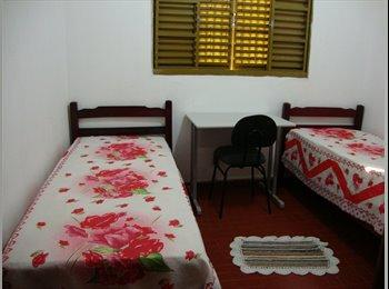 EasyQuarto BR - Alojamento para estudantes - Zona Leste, Uberlândia - R$ 400 Por mês