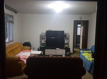 EasyQuarto BR - Apartamento Agua Verde - Perto de Tudo - Batel, Curitiba - R$ 600 Por mês