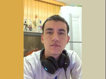 EasyQuarto BR - Carlos  - 23 - Região de Joinville