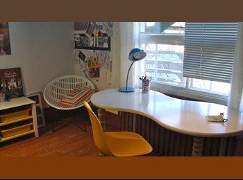 EasyRoommate CA - Famille sympa cherche coloc - Villeray - Saint-Michel - Parc-Extension, Montréal - $480 pcm