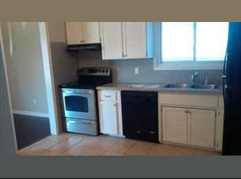 EasyRoommate CA - ROOM FOR RENT - Kitchener, South West Ontario - $400 pcm