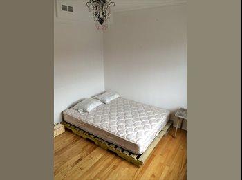 EasyRoommate CA - Bright and sunny room in a 5 1/2. 1min Acadie Métro station - Villeray - Saint-Michel - Parc-Extension, Montréal - $450 pcm