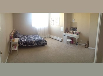 EasyRoommate CA - Master bedroom, High floor, Female only! - Central, Edmonton - $800 pcm